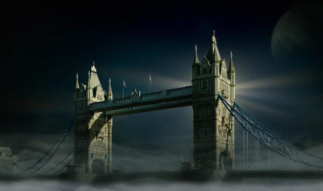 tower-bridge-london-moon
